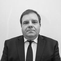 בן אליעזר ושות' משרד עורכי דין - צבי בן-אליעזר, עורך דין מייסד ושותף
